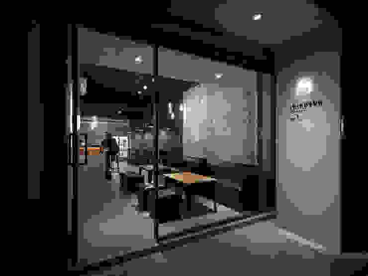 飲。癮 工業風的玄關、走廊與階梯 根據 大荷室內裝修設計工程有限公司 工業風