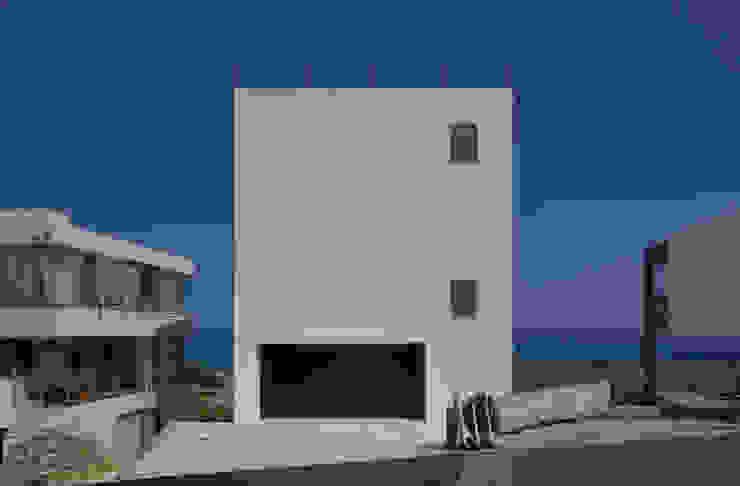 FRSW-HOUSE 門一級建築士事務所 モダンな 家 鉄筋コンクリート 白色