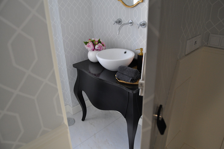 Bathroom by Perfect Home Interiors,