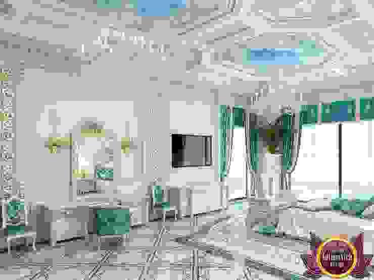 Palatial bedroom design of Katrina Antonovich Classic style bedroom by Luxury Antonovich Design Classic