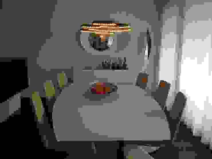 APARTAMENTO ZURIQUE Salas de jantar minimalistas por AROSO MACHADO Minimalista