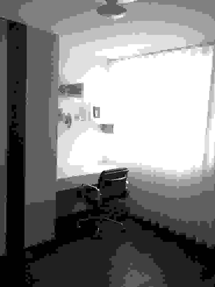 APARTAMENTO ZURIQUE Espaços de trabalho minimalistas por AROSO MACHADO Minimalista