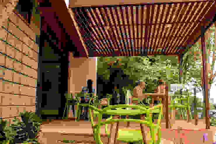 Gastronomia in stile eclettico di santiago dussan architecture & Interior design Eclettico