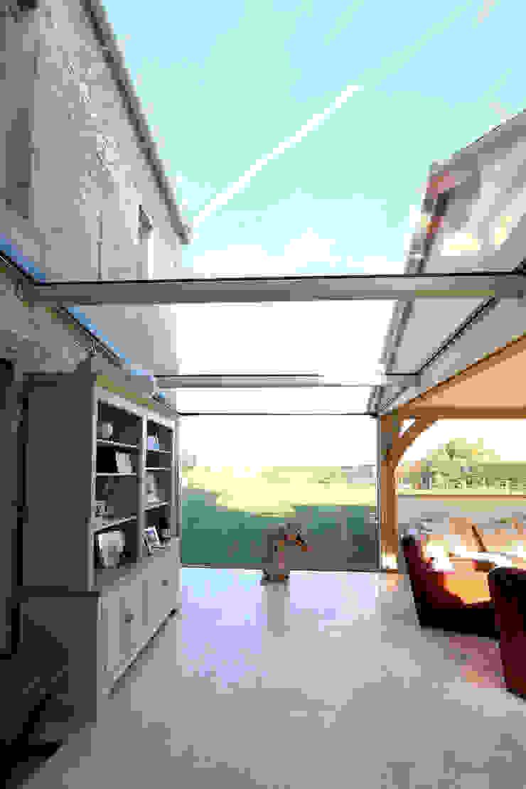 Green Barn IQ Glass UK Giardino d'inverno in stile rurale