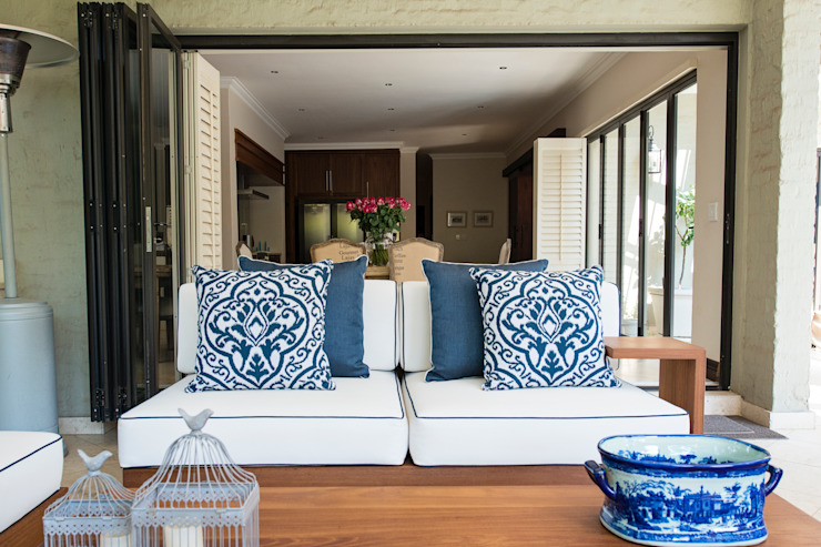 Outdoor covered patio by Tru Interiors Country