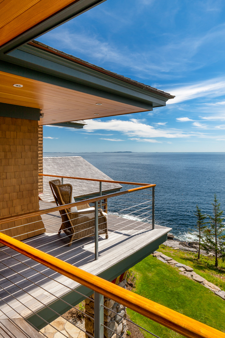 Bold Ocean Cottage - Deck Classic style houses by John Morris Architects Classic Wood Wood effect