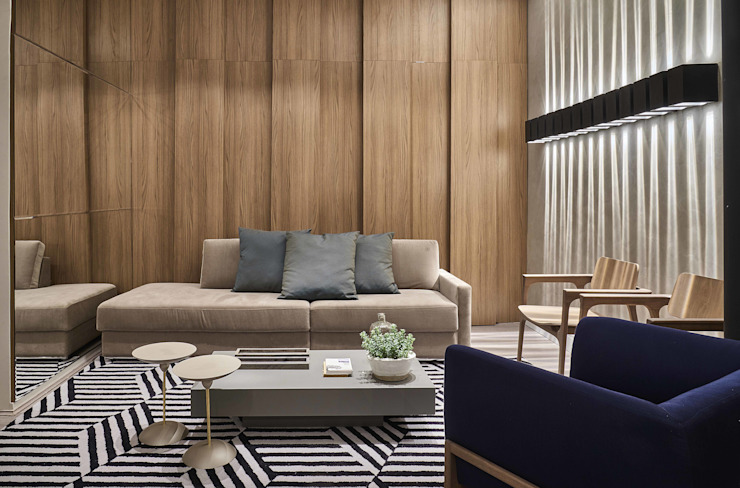 Salones de estilo moderno de Carmen Calixto Arquitetura Moderno Madera Acabado en madera