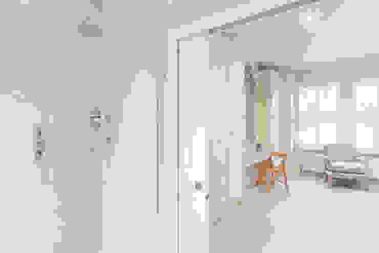 Major renovation, extension and loft. Fulham W6 Modern bathroom by TOTUS Modern