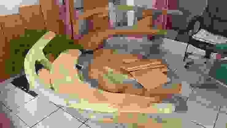 REESTAURACION MUEBLE RUSTICO TERRAZA COOLDESIGN SPA Balcones y terrazasMobiliario Madera Acabado en madera