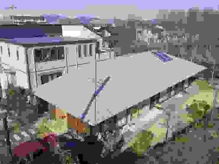 大きな屋根の家 m・style 一級建築士事務所 モダンな 家 木 木目調