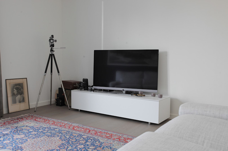 Alewaters & Zonen Multimedia roomFurniture Wood White