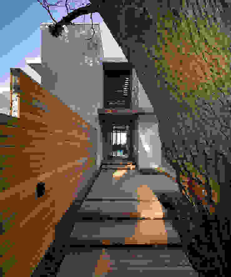 La Lucia Eclectic style houses by ARRCC Eclectic