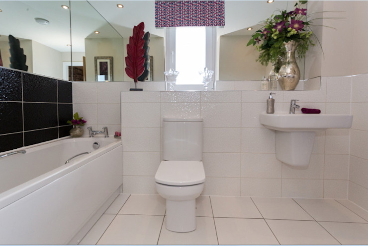 New Year—New Home Decor Ideas… … … Modern bathroom by Graeme Fuller Design Ltd Modern