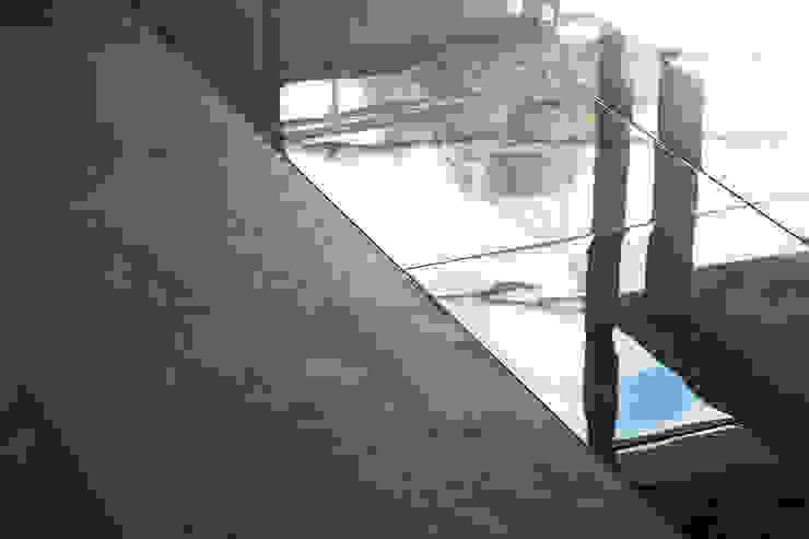 by 松島潤平建築設計事務所 / JP architects Rustic Tiles