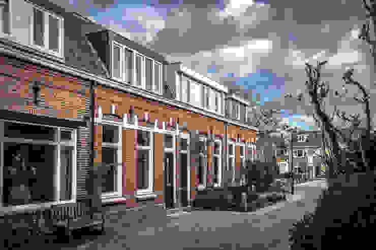 Voorgevel:  Huizen door architectenbureau Huib Koman (abHK),