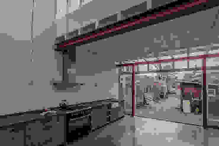 uitbreiding:  Keuken door architectenbureau Huib Koman (abHK),