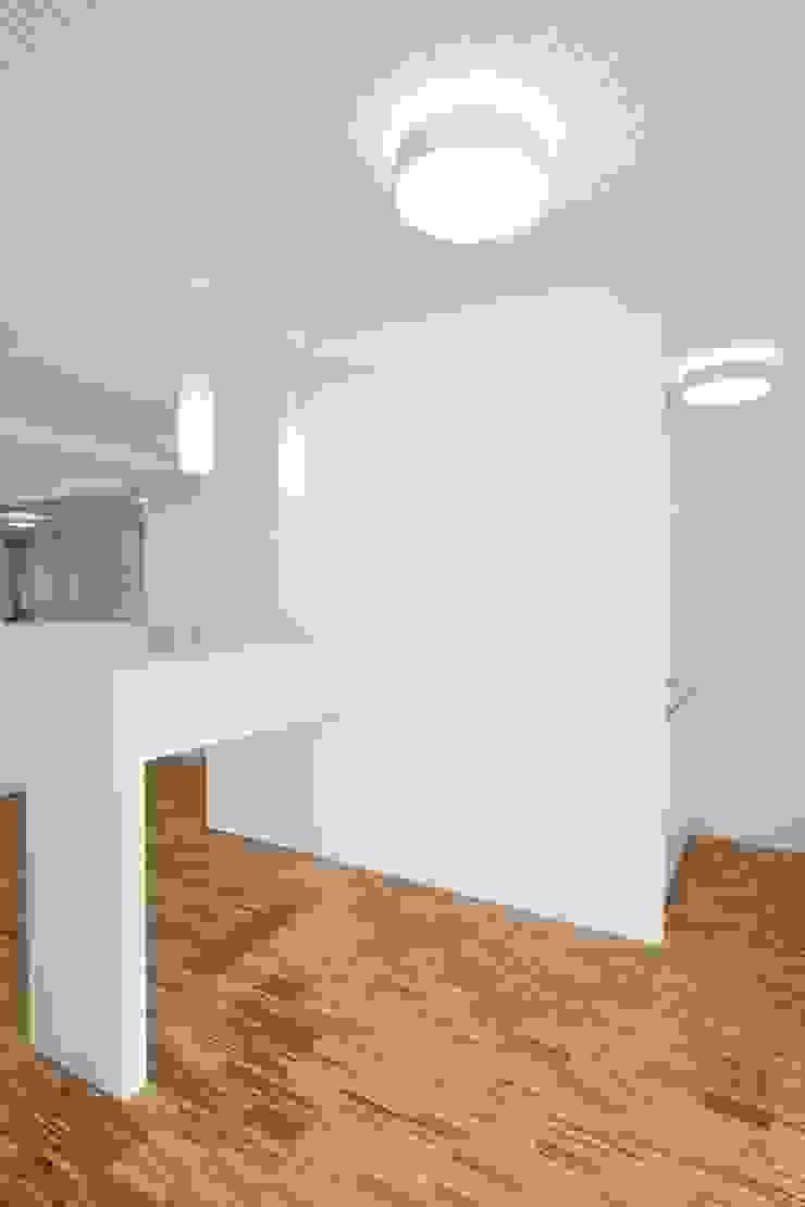 Hammerl Immobilien Moderne Bürogebäude von destilat Design Studio GmbH Modern