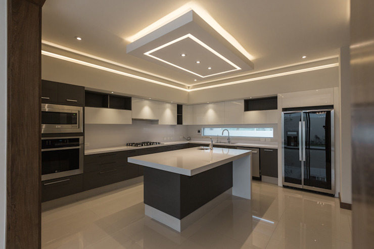 Modern Kitchen by 2M Arquitectura Modern