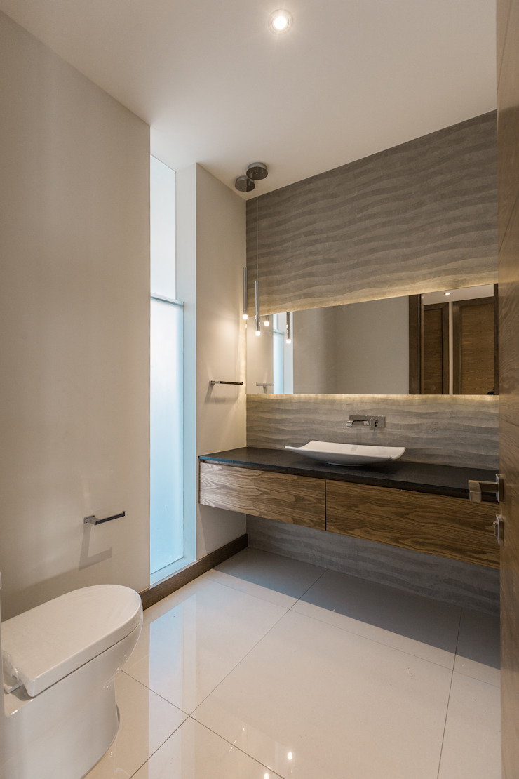 Modern Bathroom by 2M Arquitectura Modern