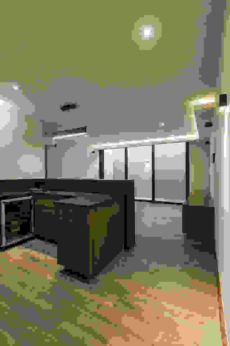 2M Arquitectura Sala multimediale minimalista