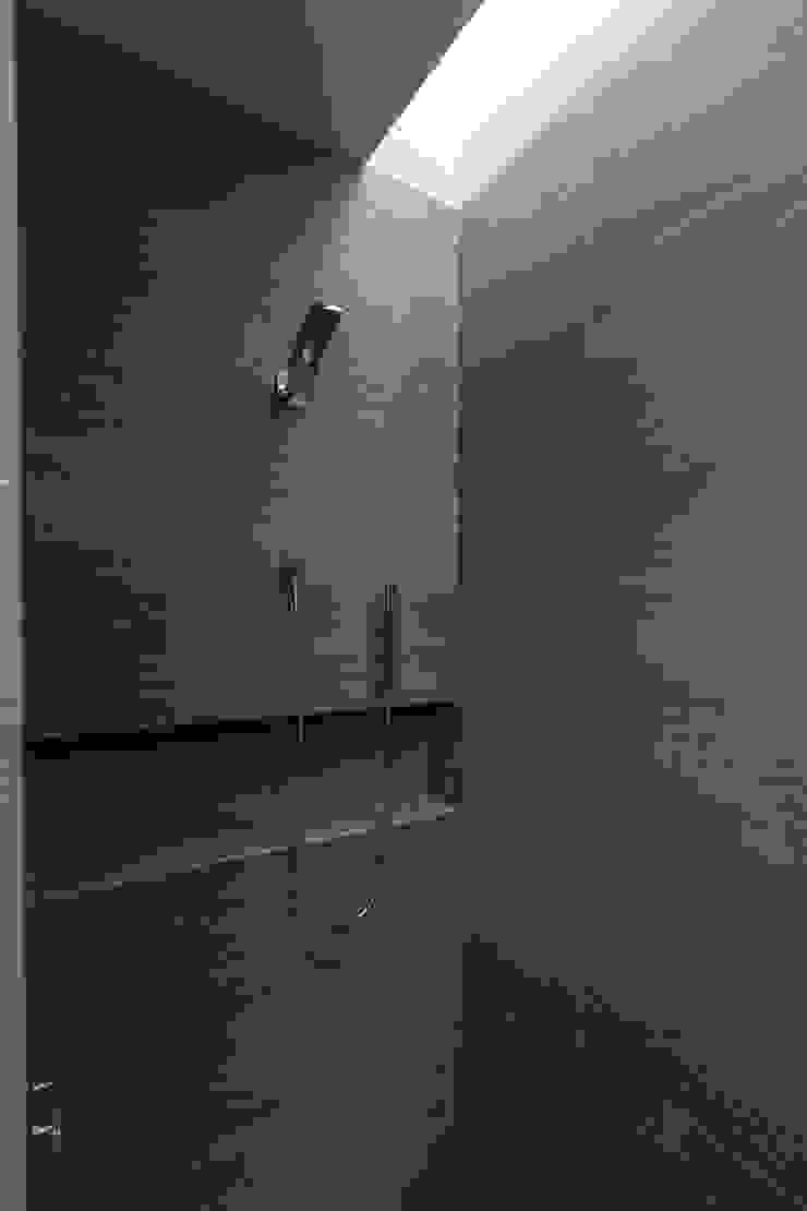 2M Arquitectura Bagno minimalista