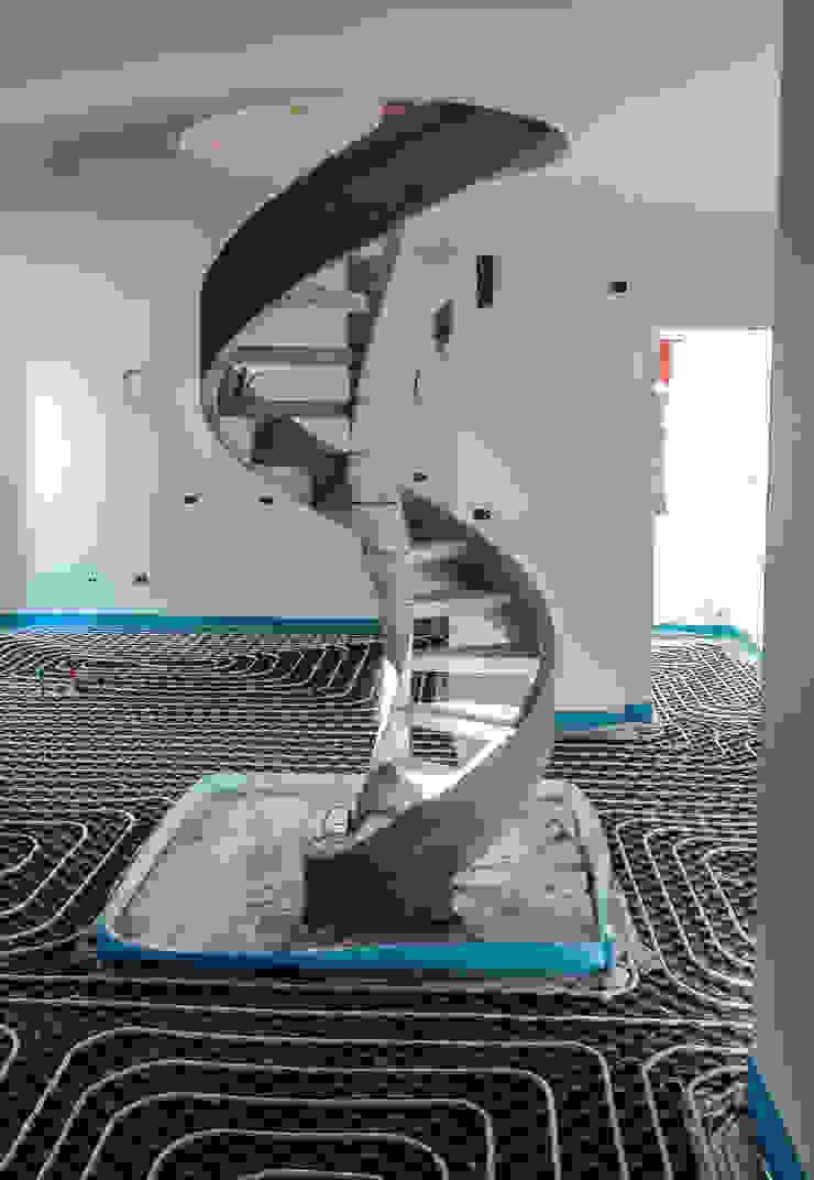 Minimalist corridor, hallway & stairs by casa&stile interior design e ristrutturazioni Minimalist Reinforced concrete