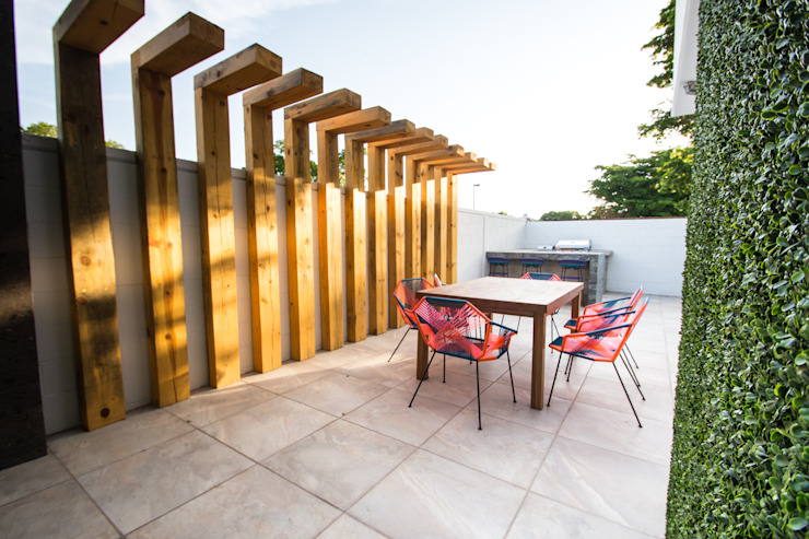 Modern Balkon, Veranda & Teras TAMEN arquitectura Modern