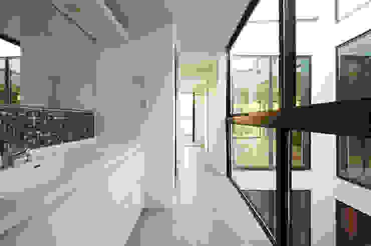 Baños modernos de TERAJIMA ARCHITECTS Moderno