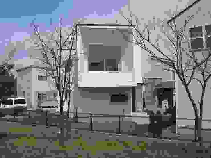 アトリエ・アースワーク Case moderne Bianco