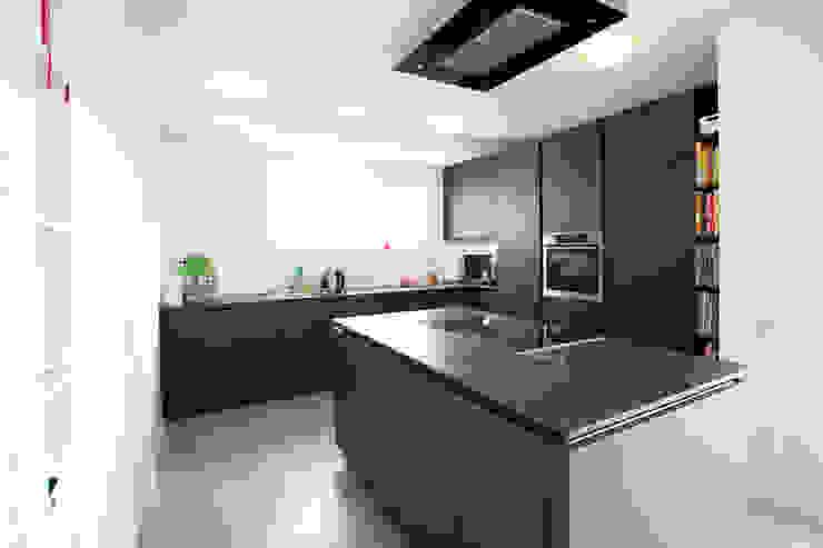 PlanBar Architektur Cocinas de estilo moderno