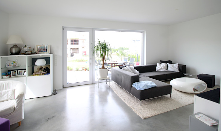Modern Living Room by PlanBar Architektur Modern