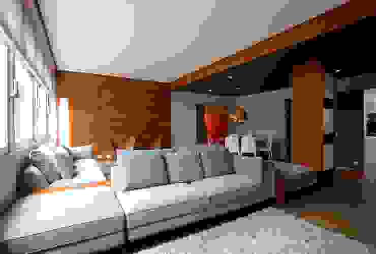Salones de estilo minimalista de ROBERTO SPINA ARQUITETOS ASSOCIADOS Minimalista