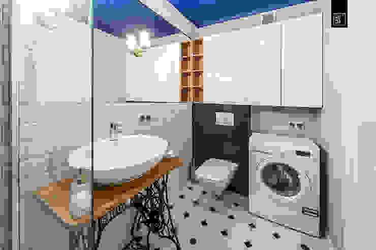 Eclectic style bathroom by KODO projekty i realizacje wnętrz Eclectic