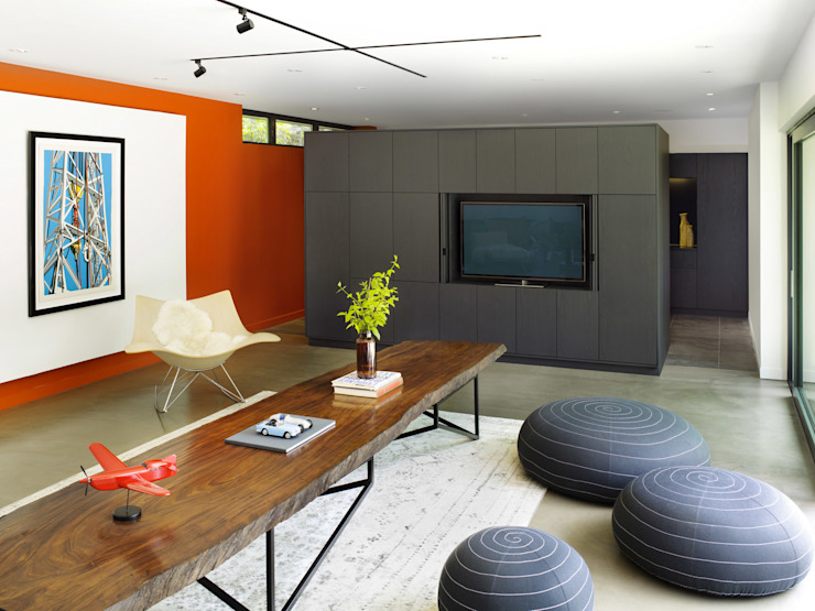 Salones de estilo moderno de +tongtong Moderno