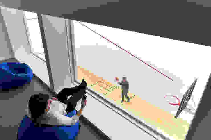 Ruang Fitness oleh KUBE Architecture, Modern