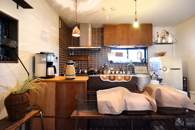 Eclectic style kitchen by TRANSFORM 株式会社シーエーティ Eclectic