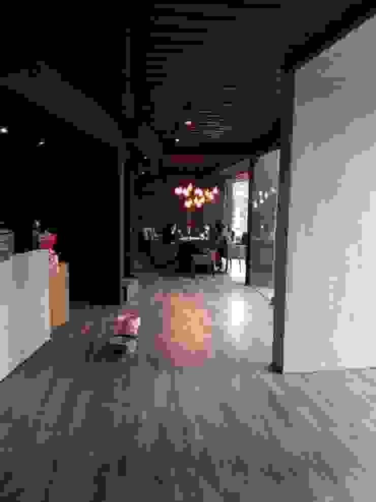 貨櫃咖啡屋: 產業  by 貨櫃屋設計狂人, 工業風