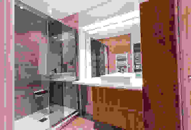 Bathroom by ateliers kumQuat
