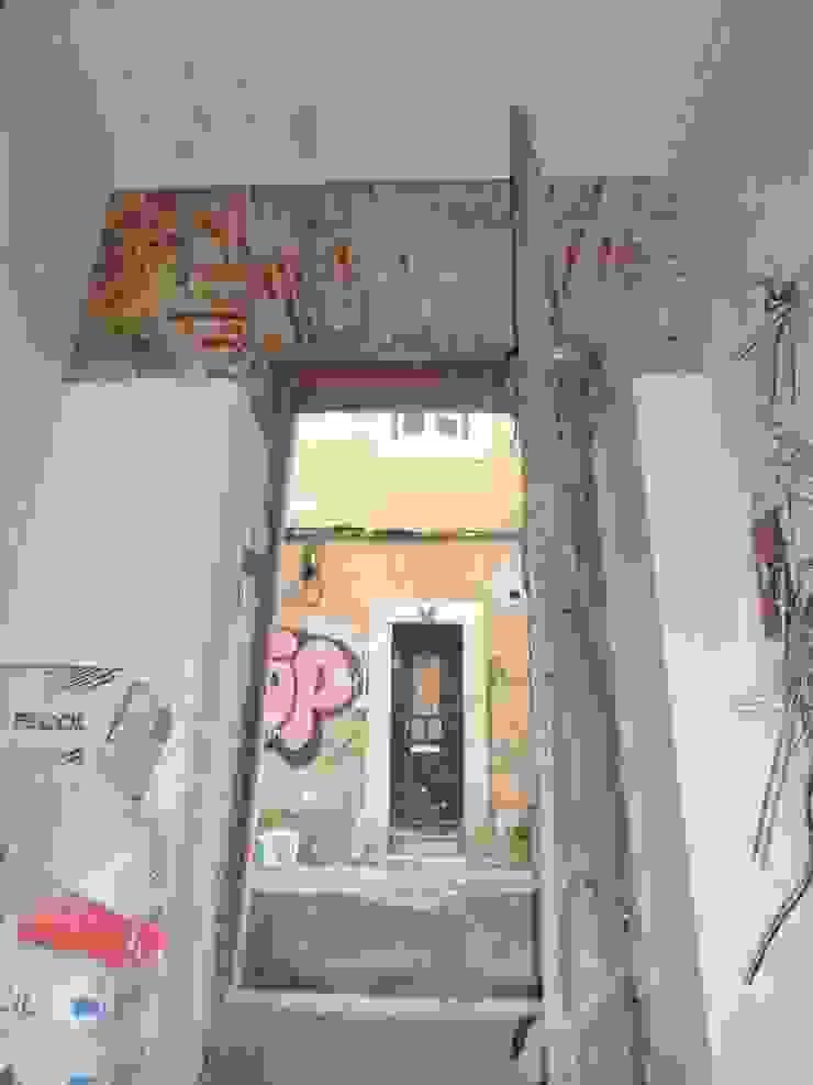 Remodelação de edifício no Bairro Alto Salas de estar ecléticas por 2levels, Arquitetura e Engenharia, Lda Eclético