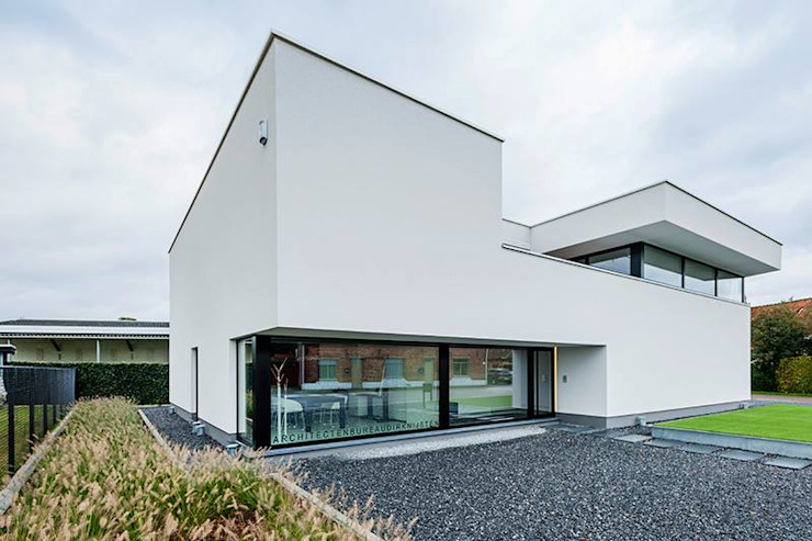 Modern home by Architectenbureau Dirk Nijsten bvba Modern