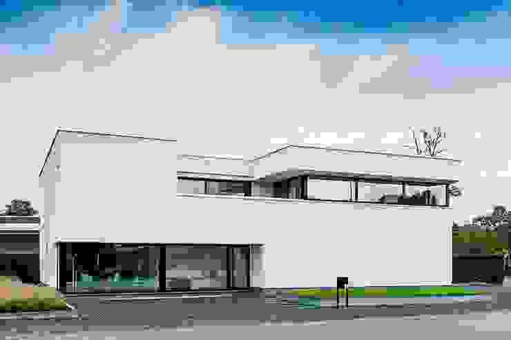 Nijsten - Vandeput Moderne huizen van Architectenbureau Dirk Nijsten bvba Modern