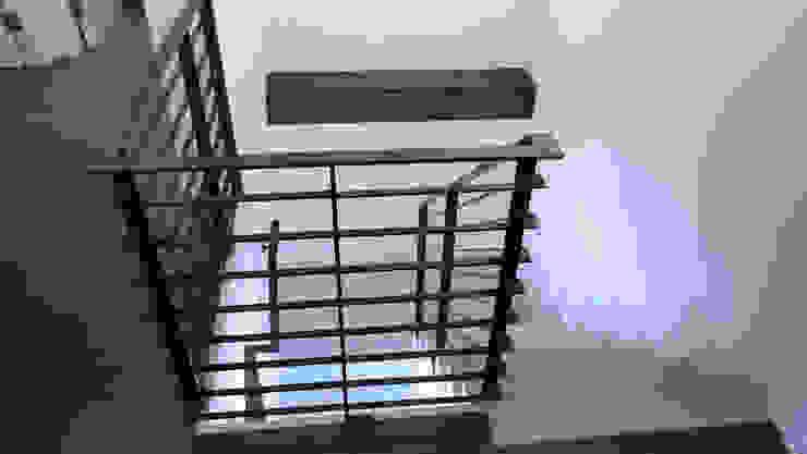 Duplex Apartment Gut Renovation Modern Corridor, Hallway and Staircase by Atelier036 Modern