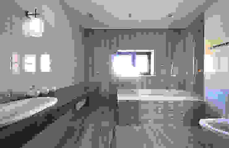 Cinnamon - солнечный минимализм Irina Derbeneva Ванная комната в стиле минимализм