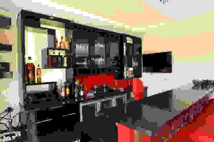 Bar Area by Tru Interiors Classic