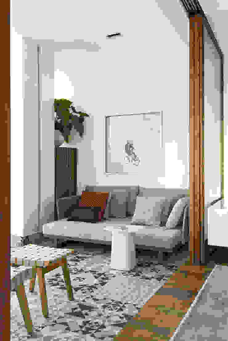 DIEGO REVOLLO ARQUITETURA S/S LTDA. Modern style balcony, porch & terrace