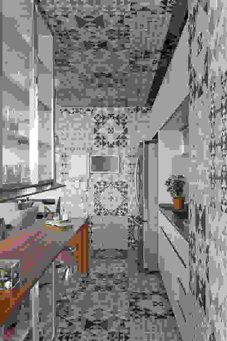 DIEGO REVOLLO ARQUITETURA S/S LTDA. Modern style kitchen