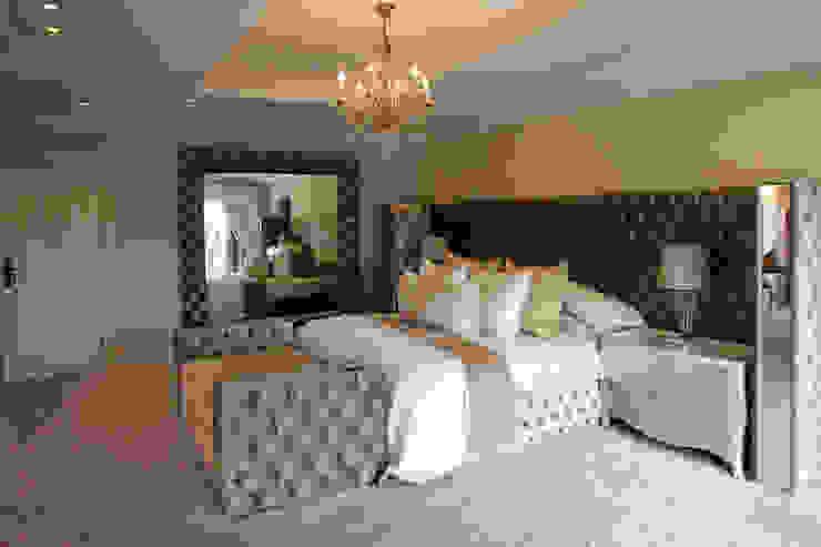 Tru Interiors Klassische Schlafzimmer