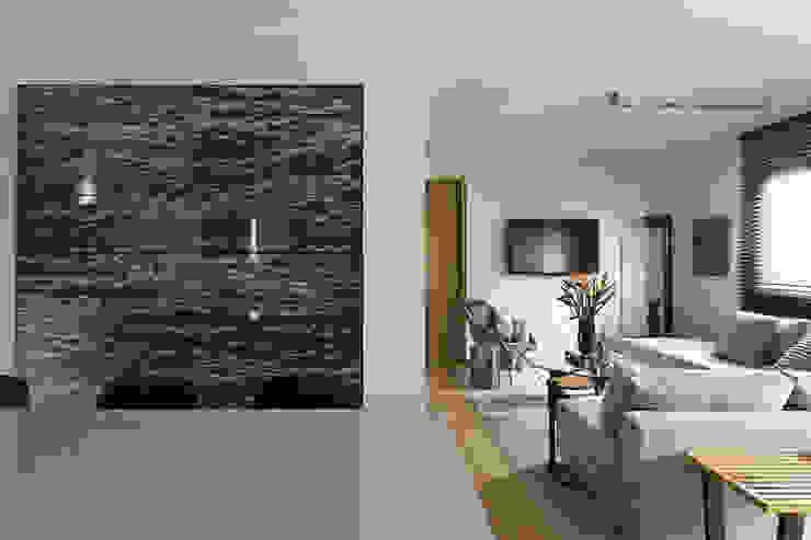 DIEGO REVOLLO ARQUITETURA S/S LTDA. Living room