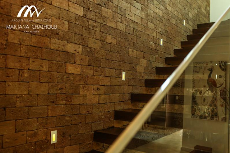 Rustic style corridor, hallway & stairs by Mariana Chalhoub Rustic
