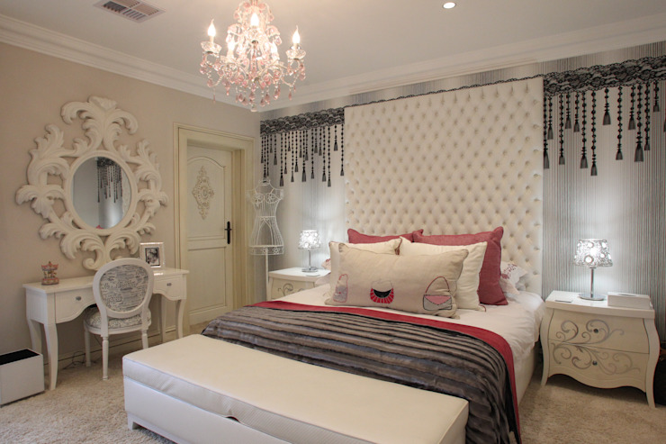 Little Girls Bedroom:  Bedroom by Tru Interiors, Classic